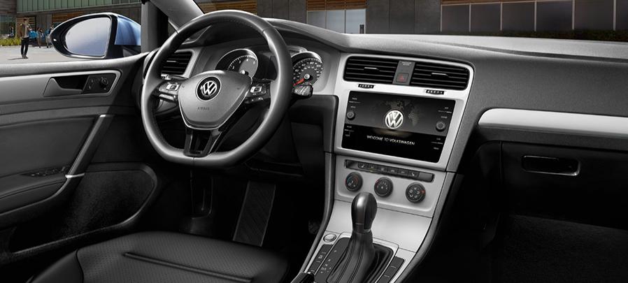 Tampilan Dashboard Volkswagen Golf 2019 Baru dijual di Carmudi Indonesia